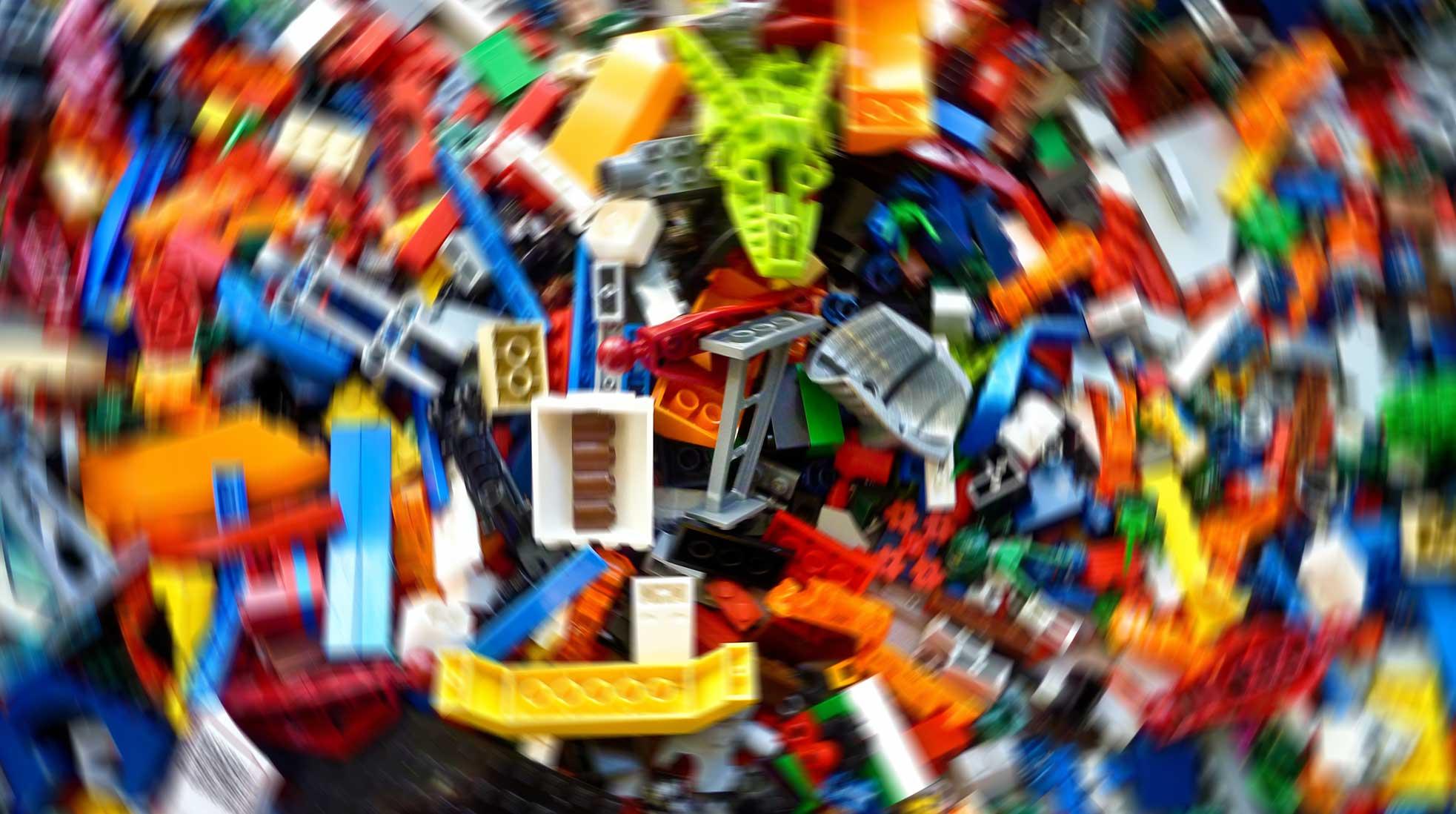 Lego. Foto: Rick Mason / Unsplash (bilden har redigerats)
